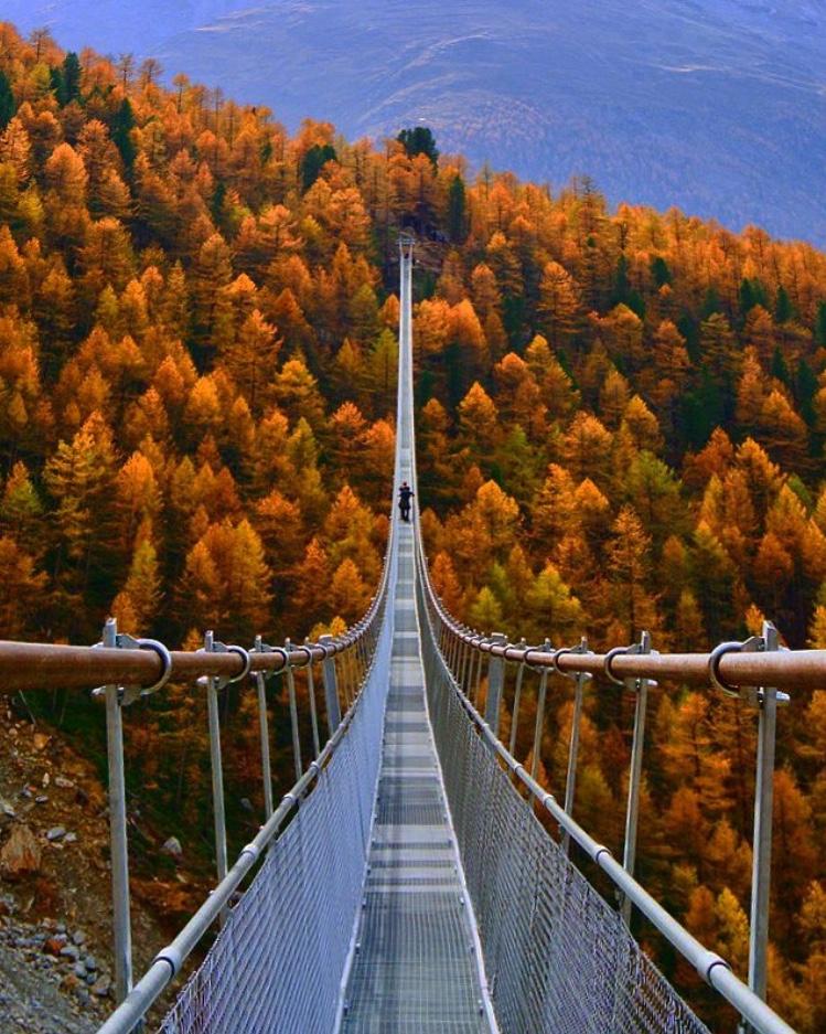 20 best things to do in Switzerland - Trift bridge