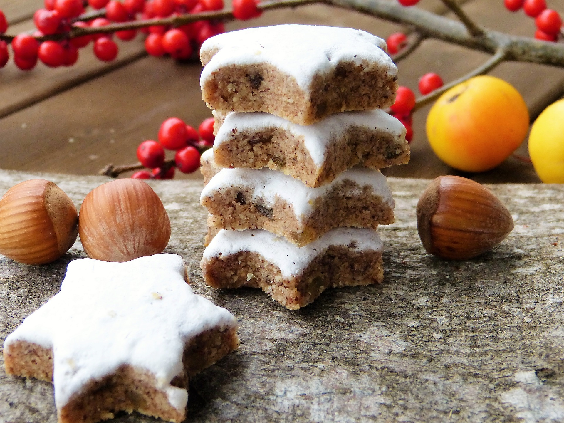 Christmas in Switzerland: cinnamon stars